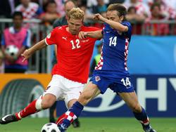 Ronald Gërçaliu - hier bei der EM 2008 gegen Luka Modrić