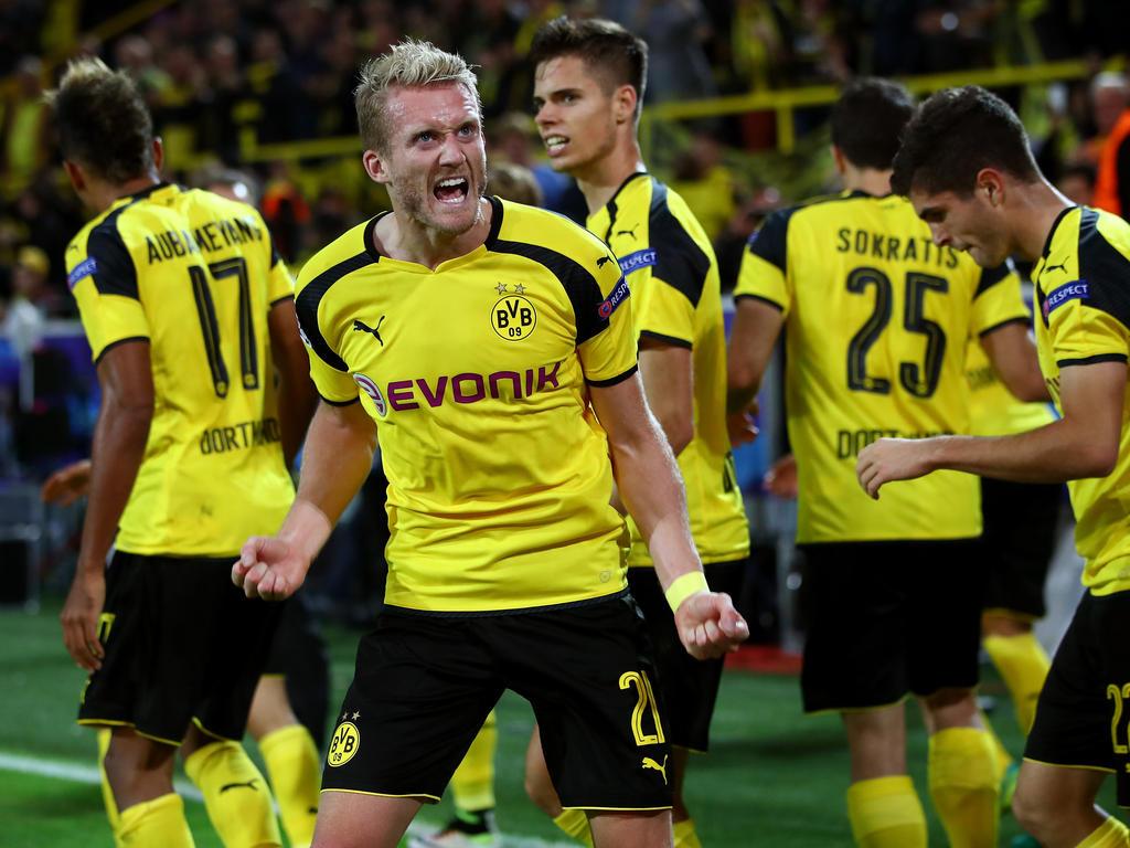 André Schürrle bejubelt seinen 2:2-Ausgleichstreffer für Borussia Dortmund