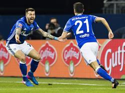 Alessandro Schöpf (r.) trifft gegen Hoffenheim zum frühen 1:0 für die Schalker. (26.2.2017)