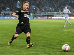 Nils Butzen (r.) verlängert seinen Vertrag bis 2019