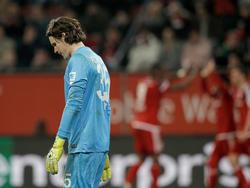 Marwin Hitz steckt mit Augsburg knietief im Abstiegskampf