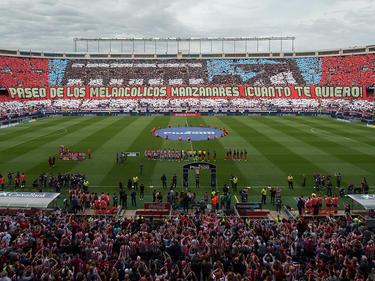 Bonito mosaico al principio del encuentro de despedida del Calderón. (Foto: Getty)