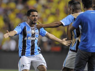 Edílson puso el 0-2 y encarriló la eliminatoria para los brasileños. (Foto: Imago)