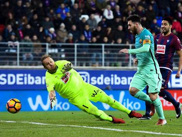Messi marcó su gol número 15 de la temporada en Ipurua. (Foto: Getty)