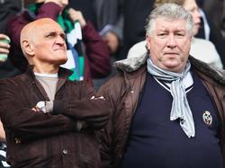 Der frühere 96-Torjäger Dieter Schatzschneider (r.) beleidigt den FC Bayern