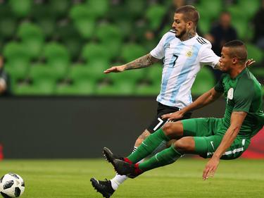 Darío Benedetto dispara a puerta en el amistoso ante Nigeria. (Foto: Getty)