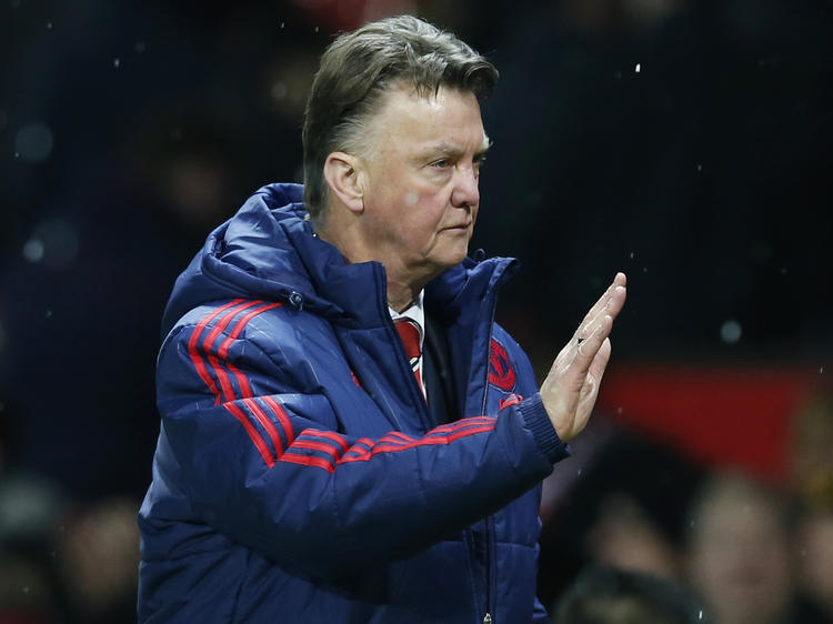 Uniteds Coach Louis Van Gaal (l) ist derzeit sehr dünnhäutig