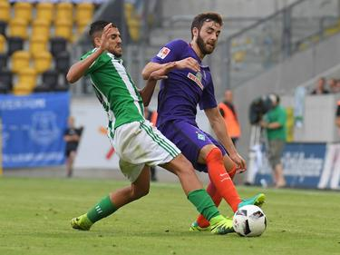 Thanus Petsos (re.) und die Bremen unterlagen Sevilla