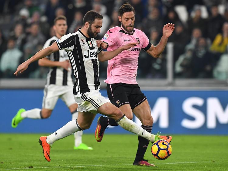 Gonzalo Higuaín und Juventus Turin setzten sich mühelos gegen Palermo durch