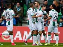 Het lijkt een makkelijke middag te worden voor FC Groningen, dat na twintig minuten spelen op 2-0 komt tegen PEC Zwolle. Mimoun Mahi is de maker van het doelpunt. (16-04-2017)