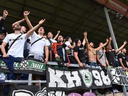 Fans von Hannover 96 benahmen sich beim Testspiel in Burnley daneben