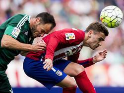 Heiko Westermann (li.) ist den Spielern von Atlético schon das ein oder andere Mal begegnet