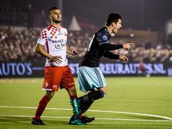 Ajacied Pelle Clement (r.) scoort tijdens zijn debuut in het bekerduel Kozakken Boys - Ajax (26-10-2016).
