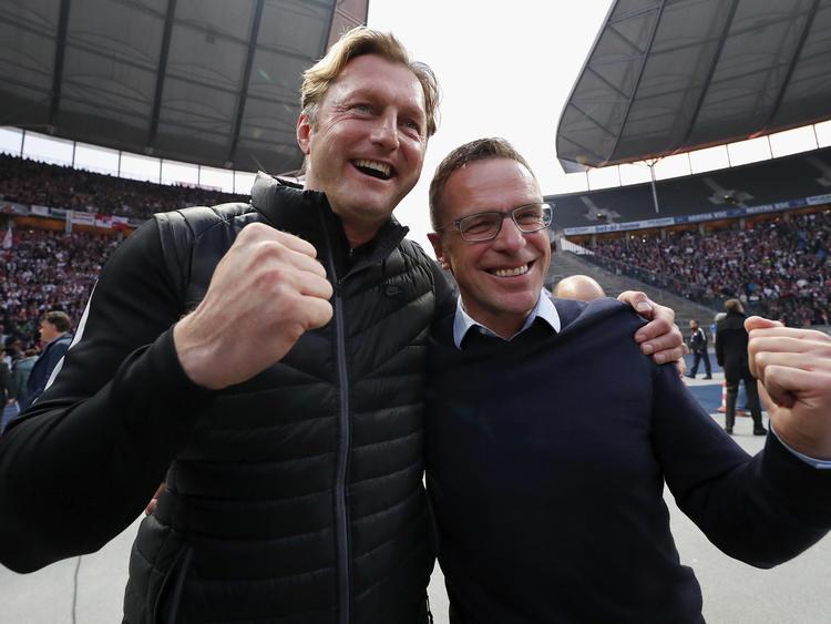 Ralph Hasenhüttl (l.) und Ralf Rangnick sind bei RB Leipzig ein starkes Duo