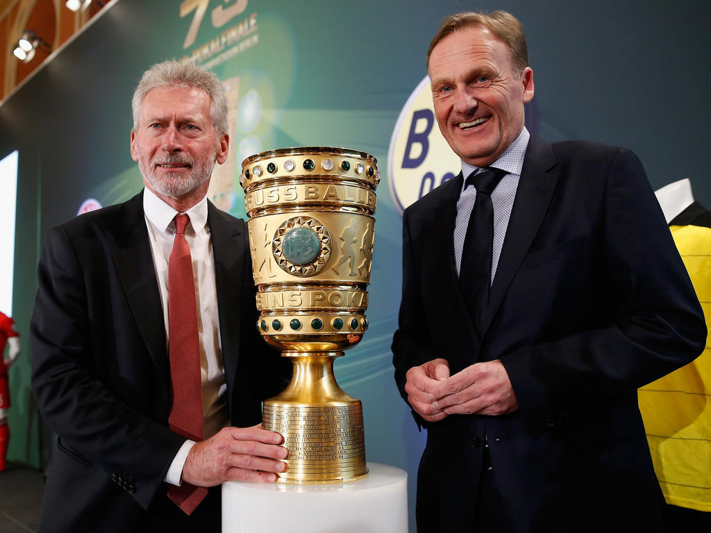 BVB-Geschäftsführer Watzke (r.) will sich wegen Spielern keine