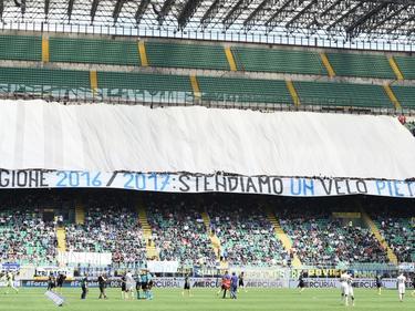 Het protest van de fans van Inter in de wedstrijd tegen Sassuolo