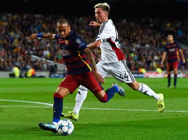 Neymar (l.) droht eine juristische Schlammschlacht