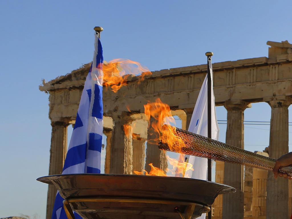 Olympisches Feuer in Griechenland entzündet