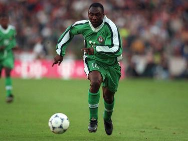 Daniel Amokachi en el Mundial de Francia en el 1998. (Foto: Getty)