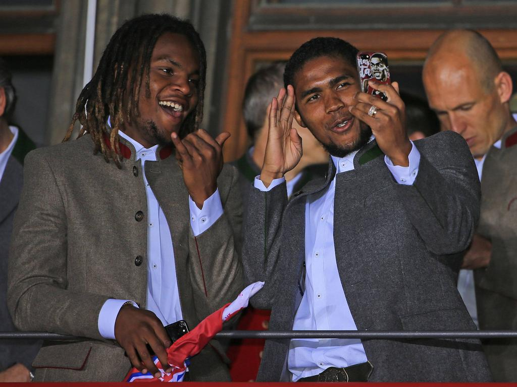 Renato Sanches (l.) und Douglas Costa feierten mit dem FC Bayern München die Meisterschaft