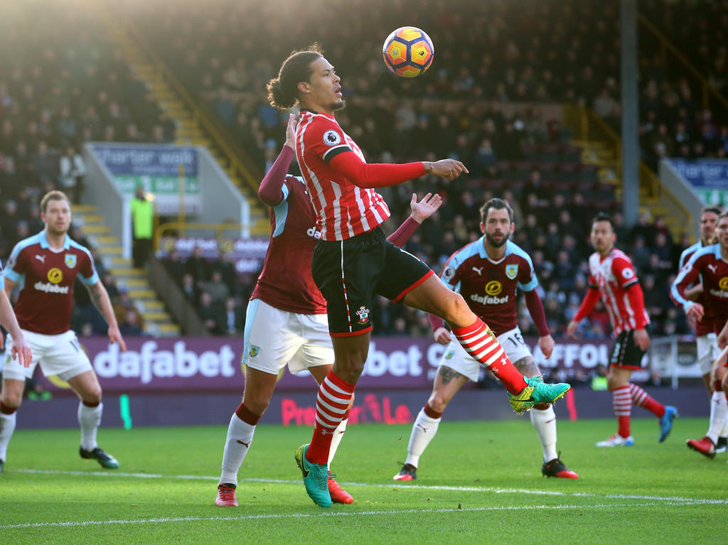 Medien: Liverpool will Abwehrspieler van Dijk für Rekordsumme von 69 Mio. Euro