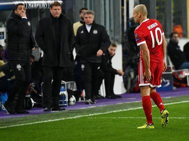 Der Oberschenkel zwickt: Arjen Robben musste in Anderlecht kurz nach dem Seitenwechsel vom Feld