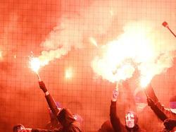 Bei den Fans sind bengalische Feuer sehr beliebt