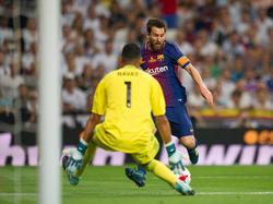 Keylor Navas hace un parada a Messi en agosto. (Foto: Getty)