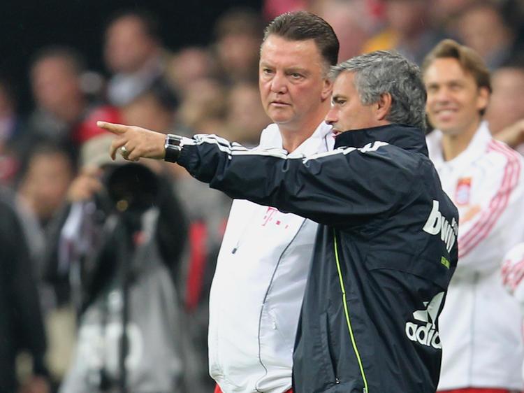 Löst Jose Mourinho (r.) Louis van Gaal ab?