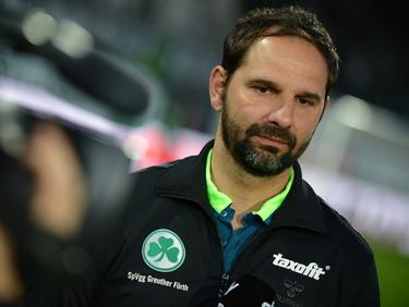 Fürth-Coach Stefan Ruthebeck darf sich auf Innenverteidiger Erhun Obanor freuen