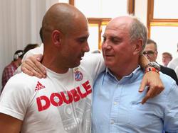 Uli Hoeneß und Pep Guardiola (l.) verbindet eine enge Freundschaft