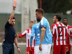 Carsten Kammlott (r.) von Rot-Weiß Erfurt sah gegen Fortuna Köln die Rote Karte