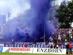 Der lila Rauch der Osnabrücker Fans kosten dem Verein erneut Geld
