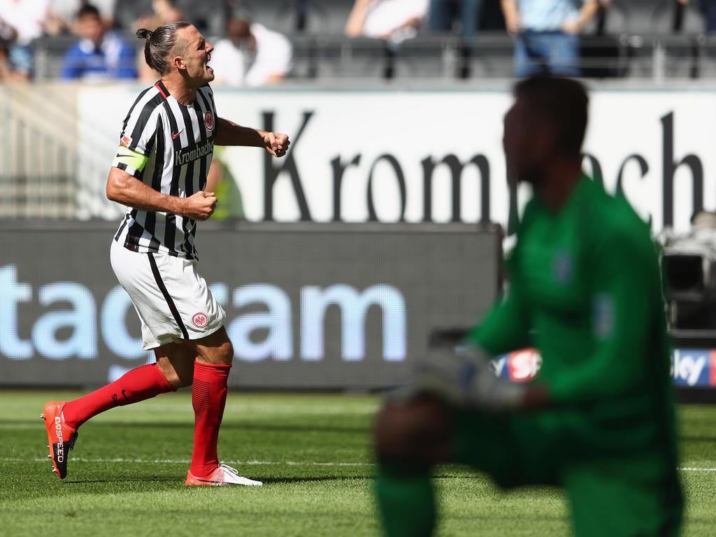 Alexander Meier schoss Eintracht Frankfurt zum Sieg gegen den FC Schalke 04