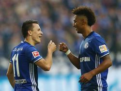 Thilo Kehrer (re.) fühlt sich auf Schalke wohl