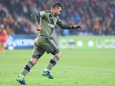 Nemanja Nikolić viert zijn doelpunt voor Legia Warschau tegen Korona Kielce. (28-10-2016)