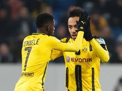 Ousmane Dembélé (l.) möchte noch lange mit Pierre-Emerick Aubameyang spielen