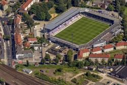 Von Lotte nach Osnabrück: Im Stadion an der Bremer Brücke treten die Sportfreunde gegen den BVB an