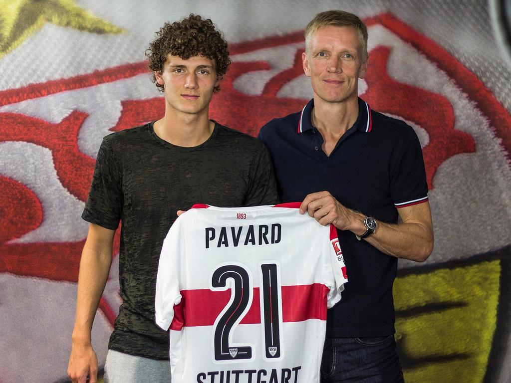 Benjamin Pavard (l.) ist jetzt Stuttgarter (Bildquelle: twitter/VfB Stuttgart)