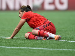 Lena Lotzen vom FC Bayern München kommt erst langsam wieder auf die Beine