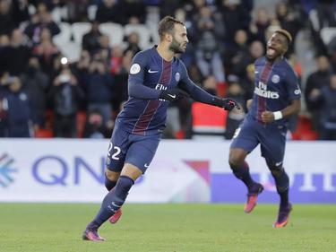Jesé (l.) viert een feestje tijdens het competitieduel Paris Saint-Germain - FC Nantes (19-11-2016).