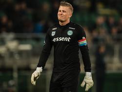 FC Groningen-doelman Sergio Padt baalt na afloop van het competitieduel ADO Den Haag - FC Groningen (08-04-2017).