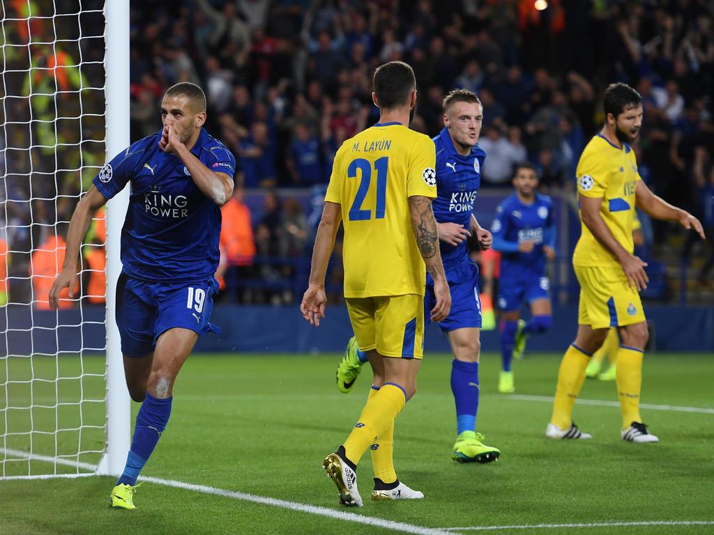 Islam Slimani (l.) lässt Leicester erneut jubeln