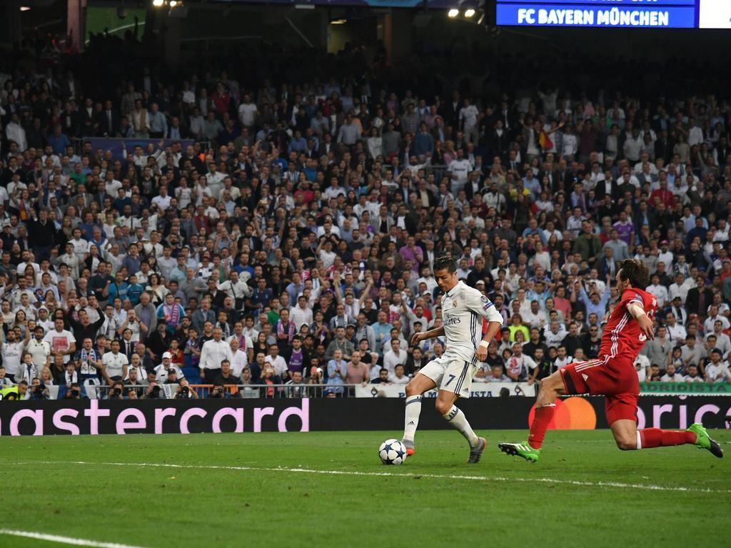 Ronaldo ejecuta a puerta vacía el último tanto de su cuenta. (Foto: Getty)