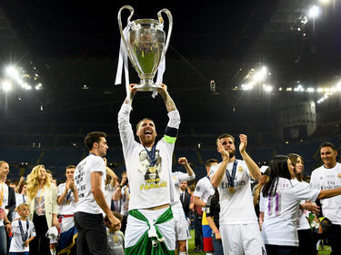 Sergio Ramos lift de Champions League-beker! (28-05-2016)