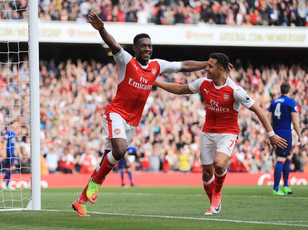Fußball - FC Arsenal bezwingt Manchester United mit 2:0