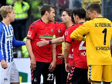 Freiburgs Kapitän Julian Schuster während des Spiels gegen Hertha BSC