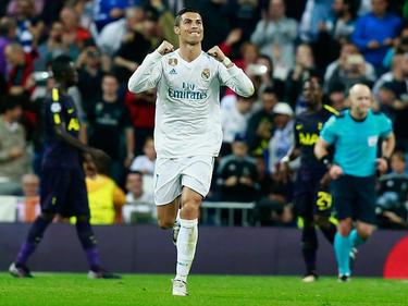Cristiano Ronaldo anotó de penalti en la Liga de Campeones. (Foto: Getty)