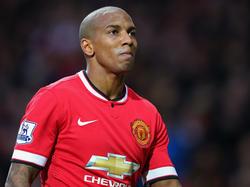 Ashley Young wird seinen Vertrag bei Manchester United verlängern