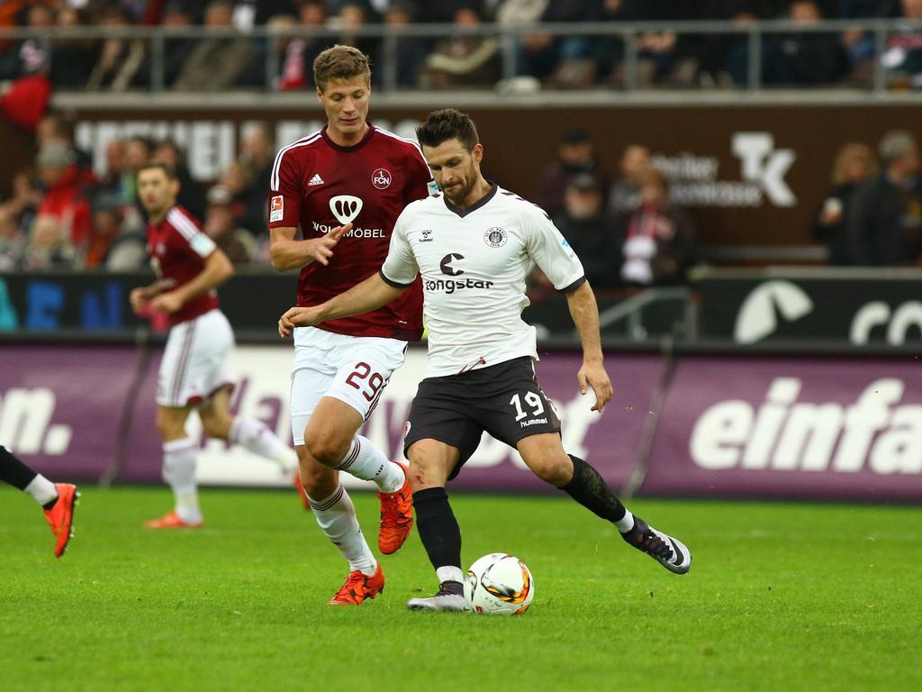 In der vergangenen Saison noch Gegner, jetzt Kollegen: Nürnbergs Patrick Erras (l.) und Enis Alushi